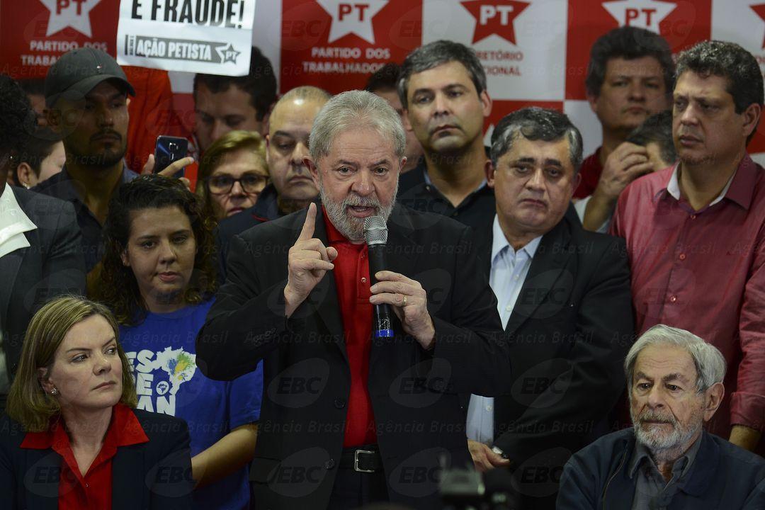 Lula discursa em defesa própria - Foto: Agência Brasil